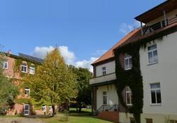 Hotel und Rezeptionsgebäude